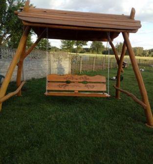 Huśtawki, ławki, stoły - meble ogrodowe