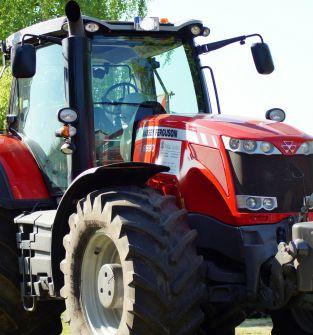 Ciągnik rolniczy MF 575